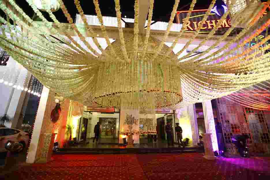Venues in delhi wedding venues party halls lawns hotels richmond lee castle gt karnal road stopboris Gallery
