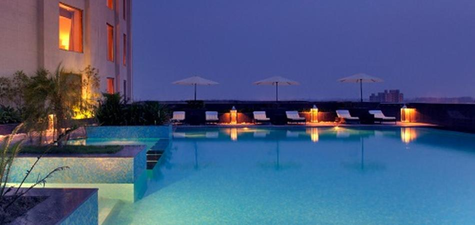 Radisson blu dwarka new delhi pool side