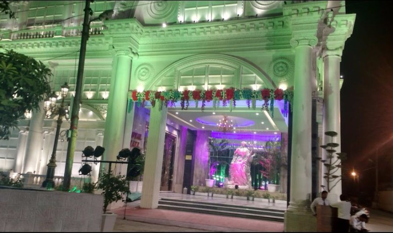 Diamond crown banquet hall noida entrance