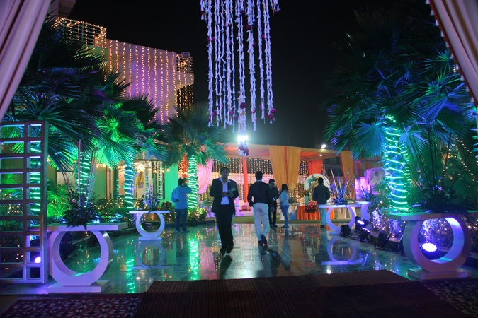 Ss grand party lawn and banquet noida theme wedding