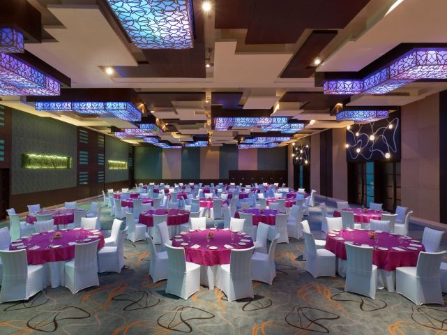 Crowne plaza greater noida banquet hall