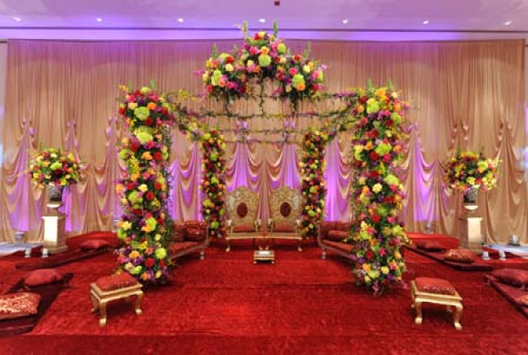 Darshan banquet indirapuram wedding stage